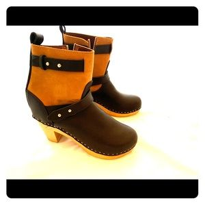 Never worn clog boots! Excellent condition